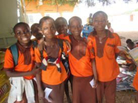 Madina et ses camarades de classe