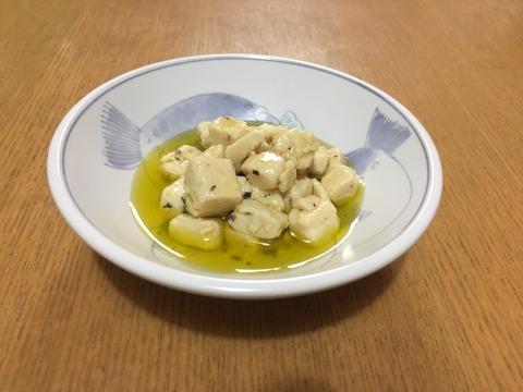 天空の菜園(?)「ラピュタファーム」からお取り寄せ。「味噌漬け豆腐のオリーブオイル漬け」はひと口食べてびっくり!これが豆腐なの?
