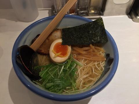 らーめんもお客さんも綺麗!?新宿ルミネにオープンしたラーメン店「AFURI」に行く。