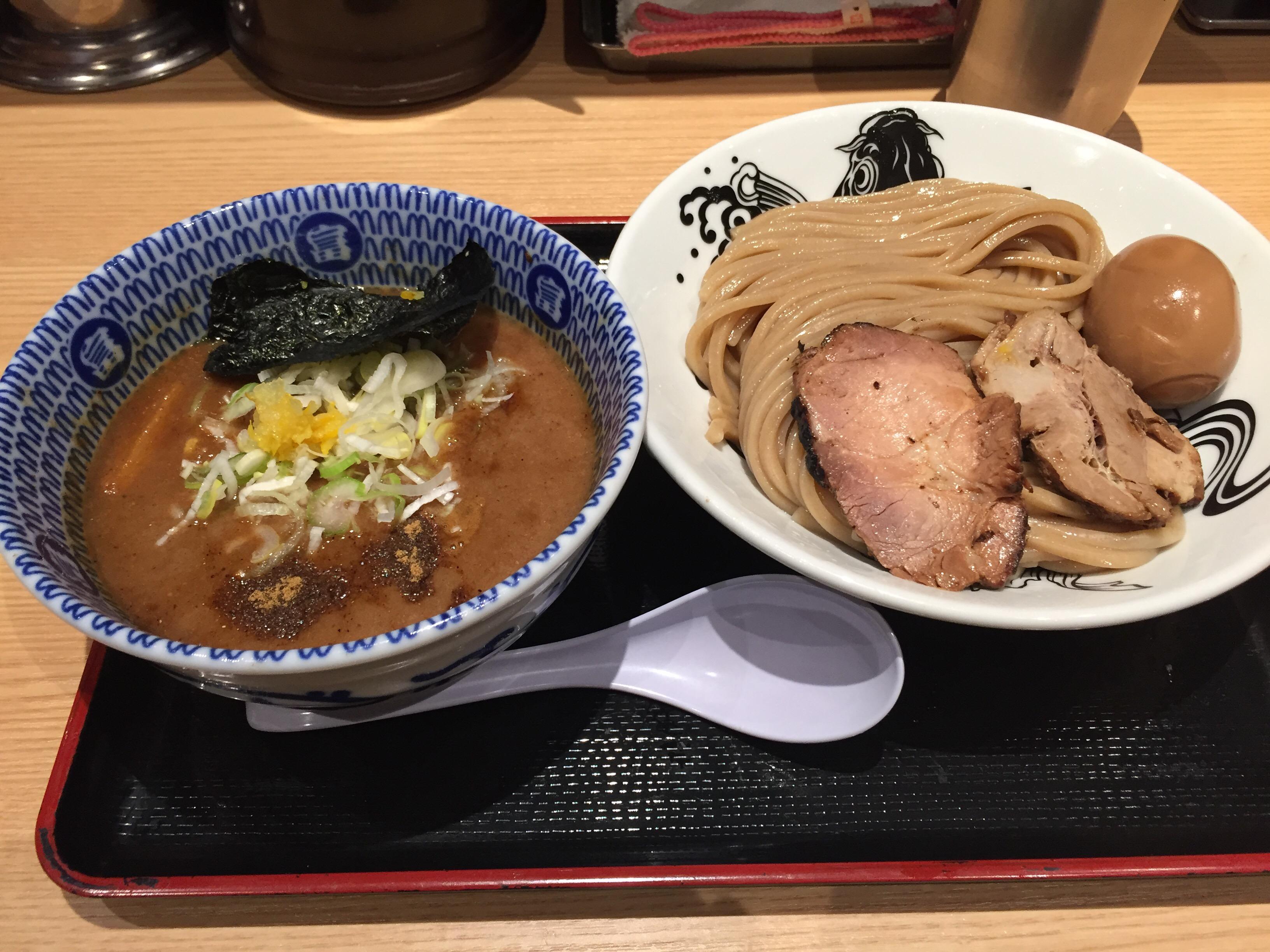 あの名店が駅ナカ初出店「松戸富田麵業」小麦色の麵と絶品スープ