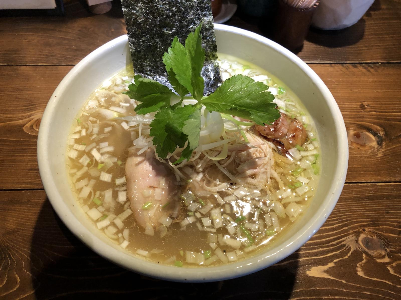 「神田とりそば なな蓮」無化調あっさり美旨味!鶏そば塩