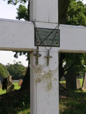 new-southgate-crematorium-and-cemetery_2888375304_o