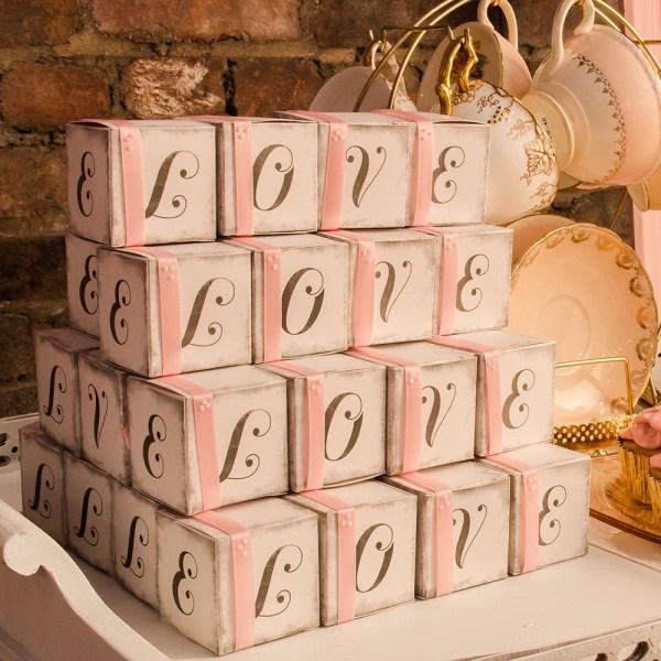 """Vintage """"LOVE"""" Cube Favour Boxes x 10"""