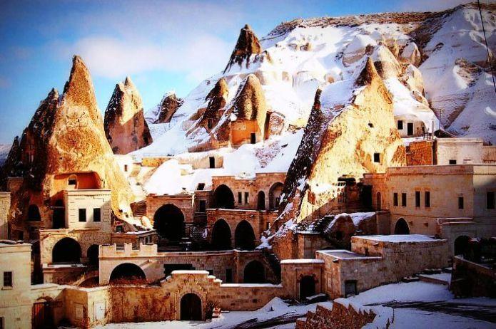 Snow at Uchisar-Kalesi