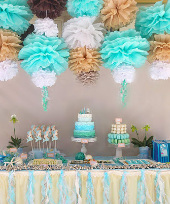 Fundo Decorado com Pompom de Papel - Foto do Site Weheartit