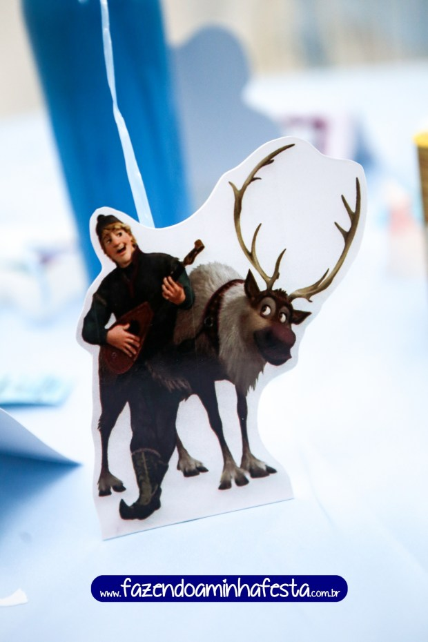 Para os meninos, display de mesa do Kristoff e Sven