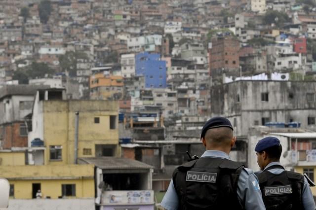 Rocinha: Após dois anos de ocupação militar, poucas coisas mudaram na vida da comunidade. (Foto: Tânia Rêgo/ABr)