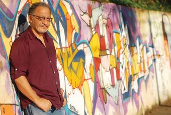 """""""a questão racial no Brasil não é uma questão à parte, só uma questão cultural. É uma questão que está no cerne do grande problema do Brasil que é a enorme distância entre ricos e pobres"""", destaca Joel Zito. Foto: Divulgação."""