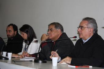 Da direita para a esquerda: Luis Nassiff, Venício Lima, XXX e FAbio Konder. Foto: Bia Barbosa/Carta Maior.