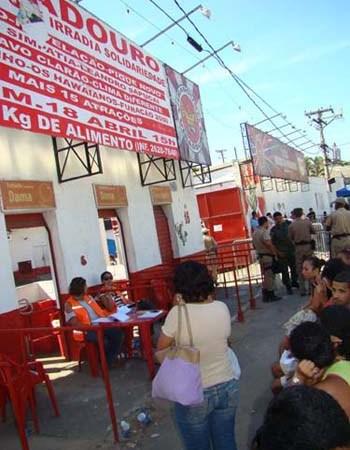 Local de pagamento do Aluguel Social, na quadra da Viradouro, em Niterói. Foto: APN.