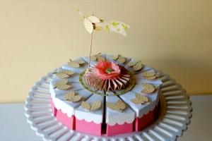 bolo-de-papel-com-tampa-ondulada-02 Fatias decorativas de bolo falso com tampa ondulada - Bolo Fake de papel