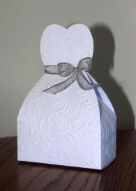 Lembrancinha-Vestido-caixa-para-festa-noiva-06 Moldes de Caixinhas Vestido - Princesas, Fadas, Noivas e Debutantes