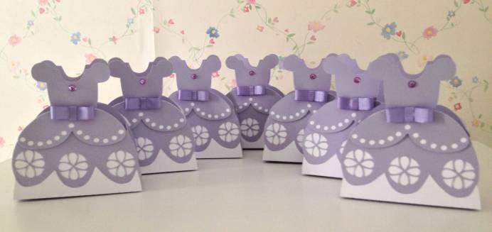 Lembrancinha-Vestido-caixa-para-festa-princesa-08 Moldes de Caixinhas Vestido - Princesas, Fadas, Noivas e Debutantes