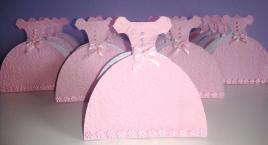 Lembrancinha-Vestido-caixinha-princesa-festas-01-1 Moldes de Caixinhas Vestido - Princesas, Fadas, Noivas e Debutantes