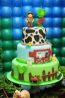 Bolo-festa-infantil-fazendinha-03 Idéias para festa Infantil com tema Fazendinha para meninos e meninas
