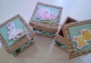 Lembrancinha-aniversário-fazendinha-caixinhas-mdf-personalizadas Idéias para festa Infantil com tema Fazendinha para meninos e meninas