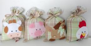 Lembrancinha-aniversário-fazendinha-sache-saquinho-bebe Idéias para festa Infantil com tema Fazendinha para meninos e meninas
