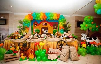 aniverssário-infantil-decoração-tema-festa-fazendinha-02 Idéias para festa Infantil com tema Fazendinha para meninos e meninas