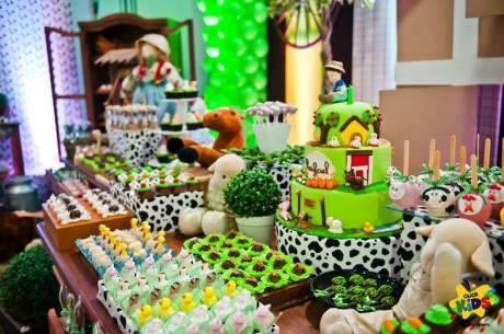 aniverssário-infantil-decoração-tema-festa-fazendinha-24 Idéias para festa Infantil com tema Fazendinha para meninos e meninas