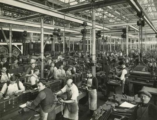 Кто в сша впервые внедрил конвейер на производстве серийного автомобиля фольксваген транспортер т5 стойка передняя