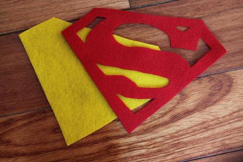 Cum să coaseți costumul Superman