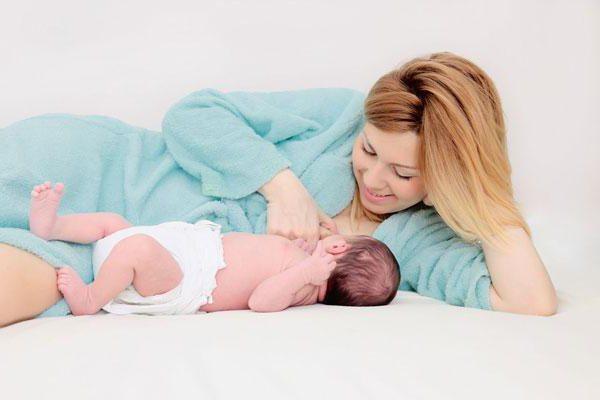 Когда пришло молоко после родов что делать. Когда у первородящих и повторнородящих женщин после родов приходит молоко