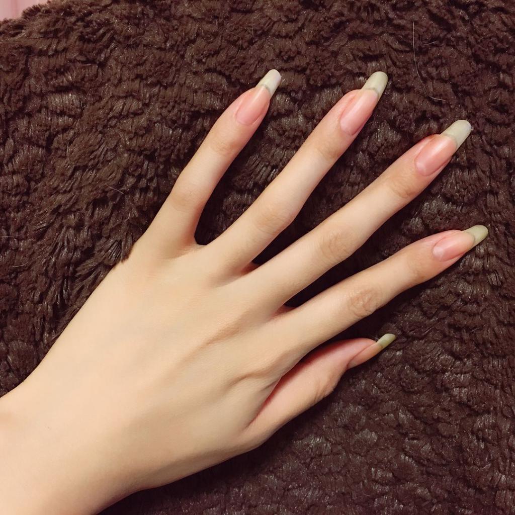 Длинные женские ногти фото
