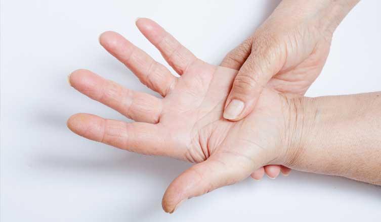 a kéz ujjai ízületeinek megvastagodásának oka)