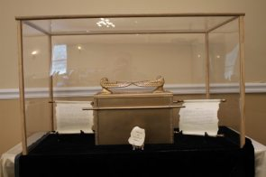 Ark of the Covenant Replica 2