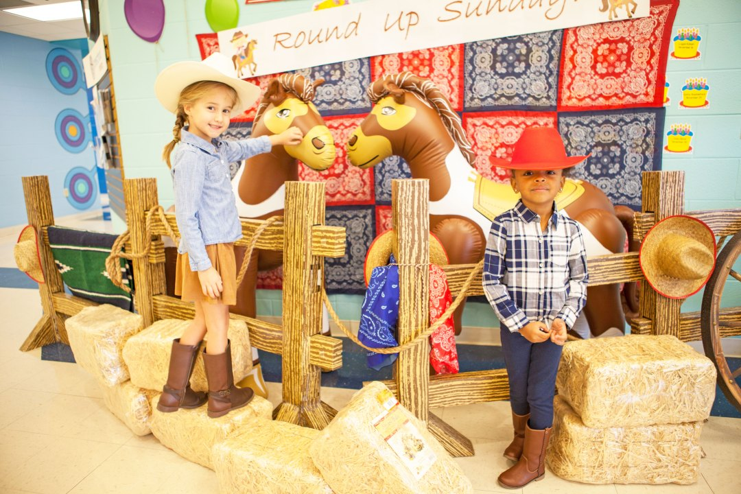 Preschooler's dressed up as cowgirls