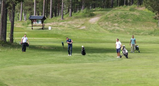 132700-golf-IMG_7065