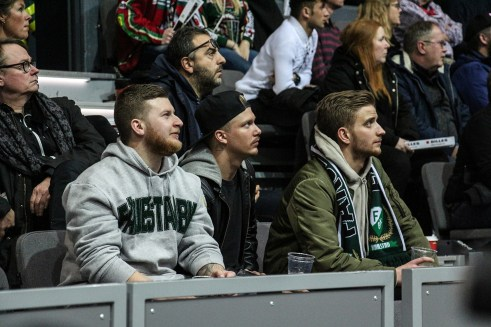 180203-174059-fans-IMG_9859