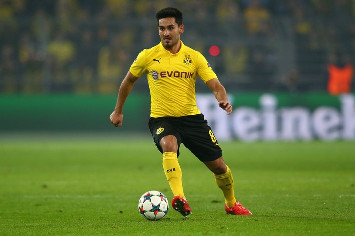 Barca aim to snatch BVB want away from Manchester United