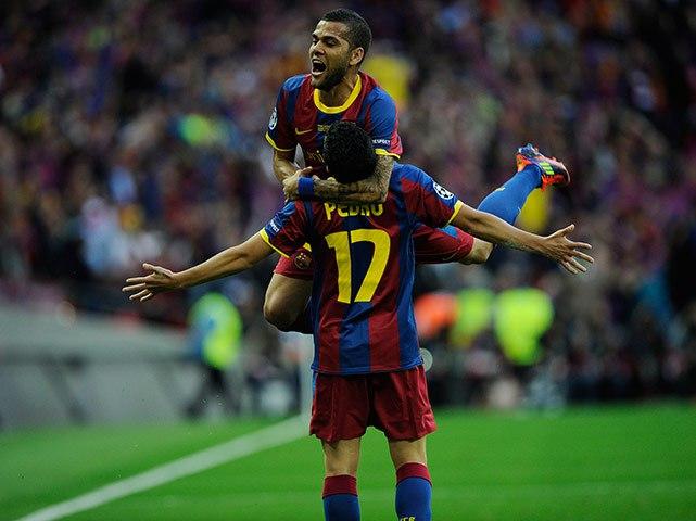 Dani-Alves-Pedro-Barcelona1