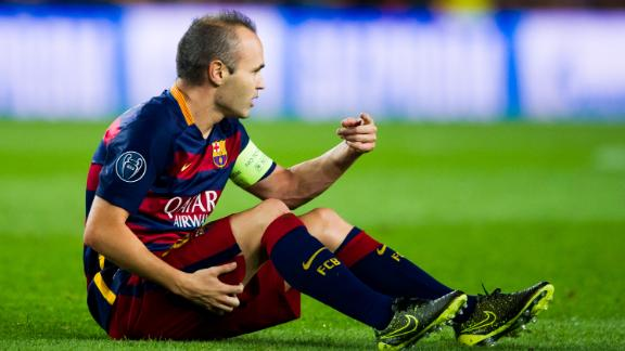 int_150930_INET_INIESTA_INJURY_HIT