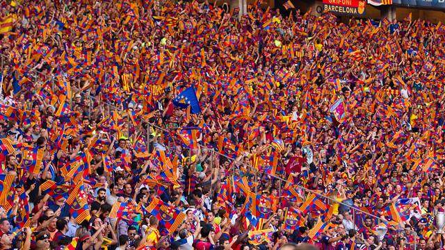 Barcelona fans whistles against CL anthem