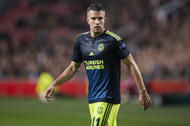 Barcelona might sign with SUPER PERSIE