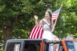 flagwavesashwoman