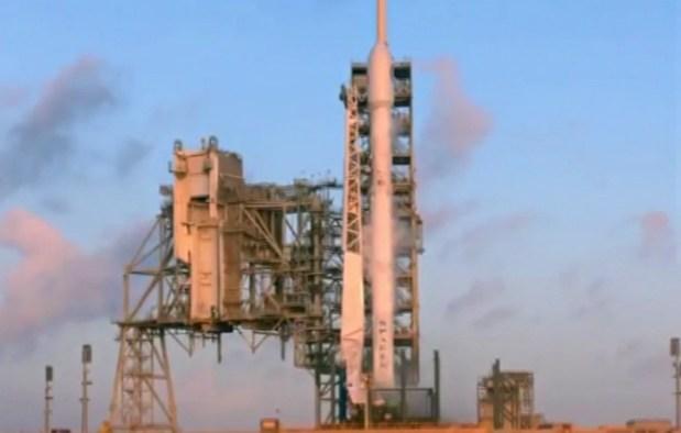 Компания SpaceX вывела на орбиту спутник-шпион для разведки США
