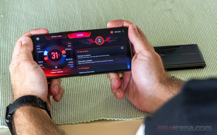 ROG Phone II software update adds horizontal and vertical swipe mapping to AirTriggers