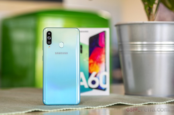 Samsung Galaxy A60 and M40 spotted running Android 10 a little bit ahead of schedule