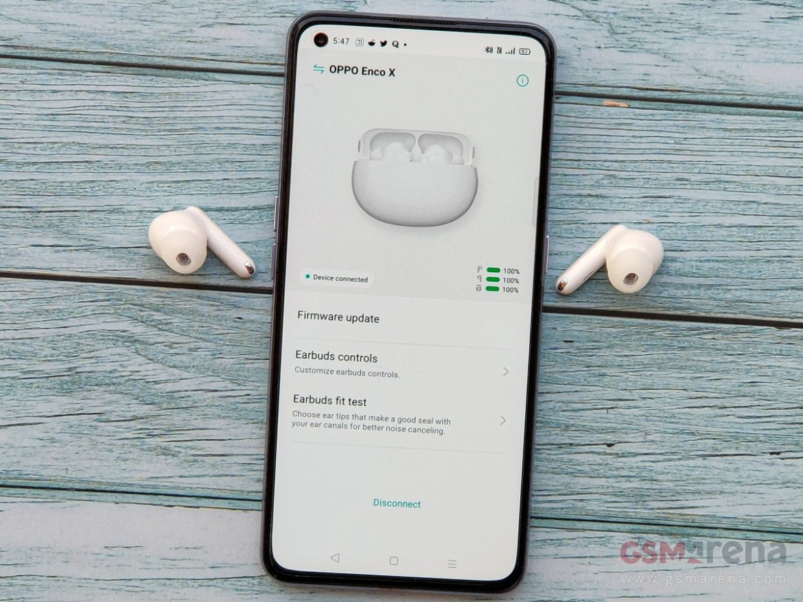 Oppo Enco X paired with the Realme X7 Pro running the HeyMelody app