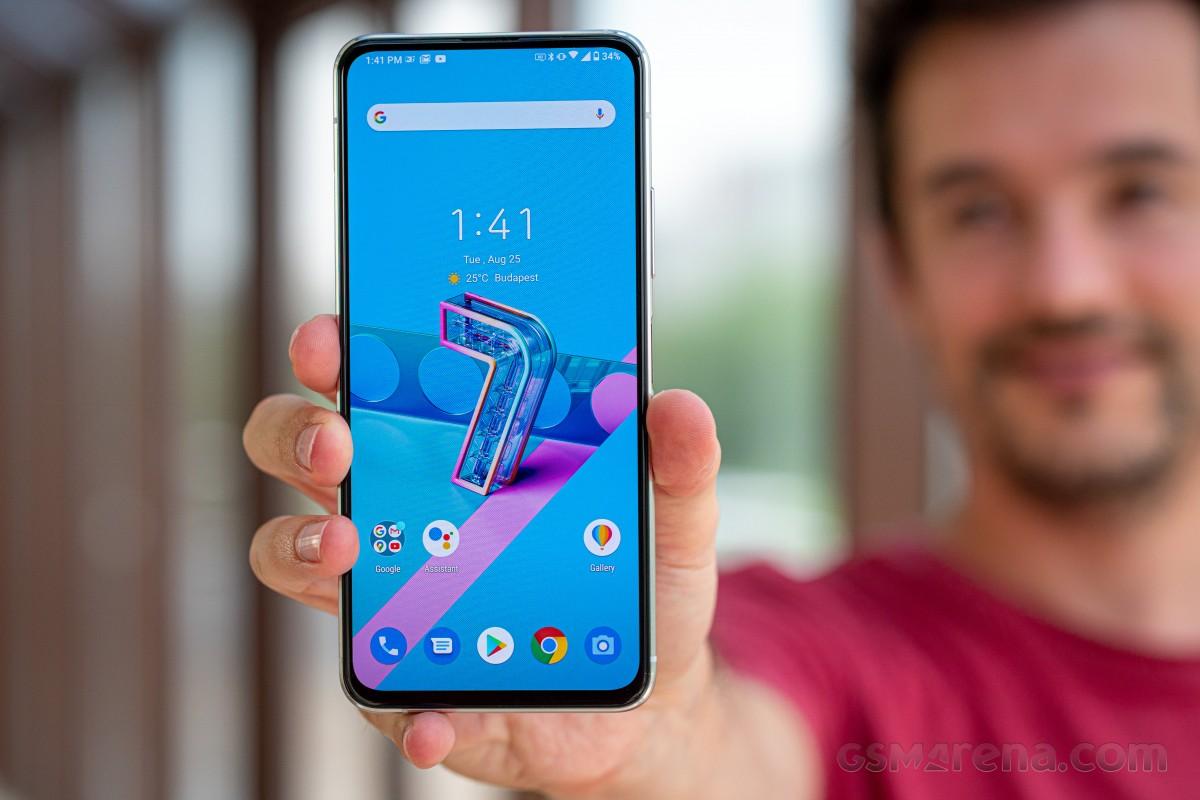 Asus Zenfone 7 dan Zenfone 7 Pro sekarang menerima pembaruan Android 11