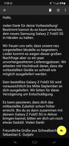 Email yang diterima oleh beberapa orang, memberi tahu mereka bahwa pengiriman Galaxy Watch4 atau Z Fold3 mereka telah tertunda