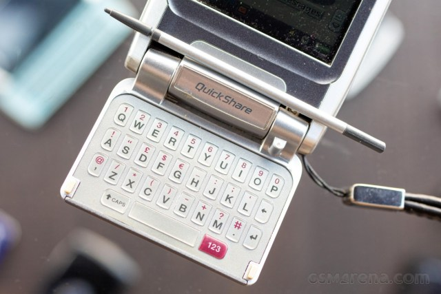 Flashback: Sony Ericsson P910 used an odd flavor of touch Symbian and wanted to do it all