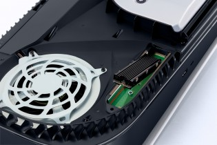 Installing an M.2 drive in the PlayStation 5