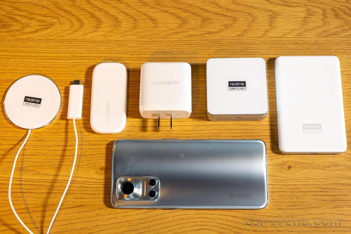 Menguji pengisi daya magnet nirkabel MagDart 50W dan 15W dari Realme