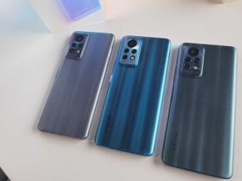 Tiga unit ponsel Infinix yang akan datang memamerkan warna yang berbeda