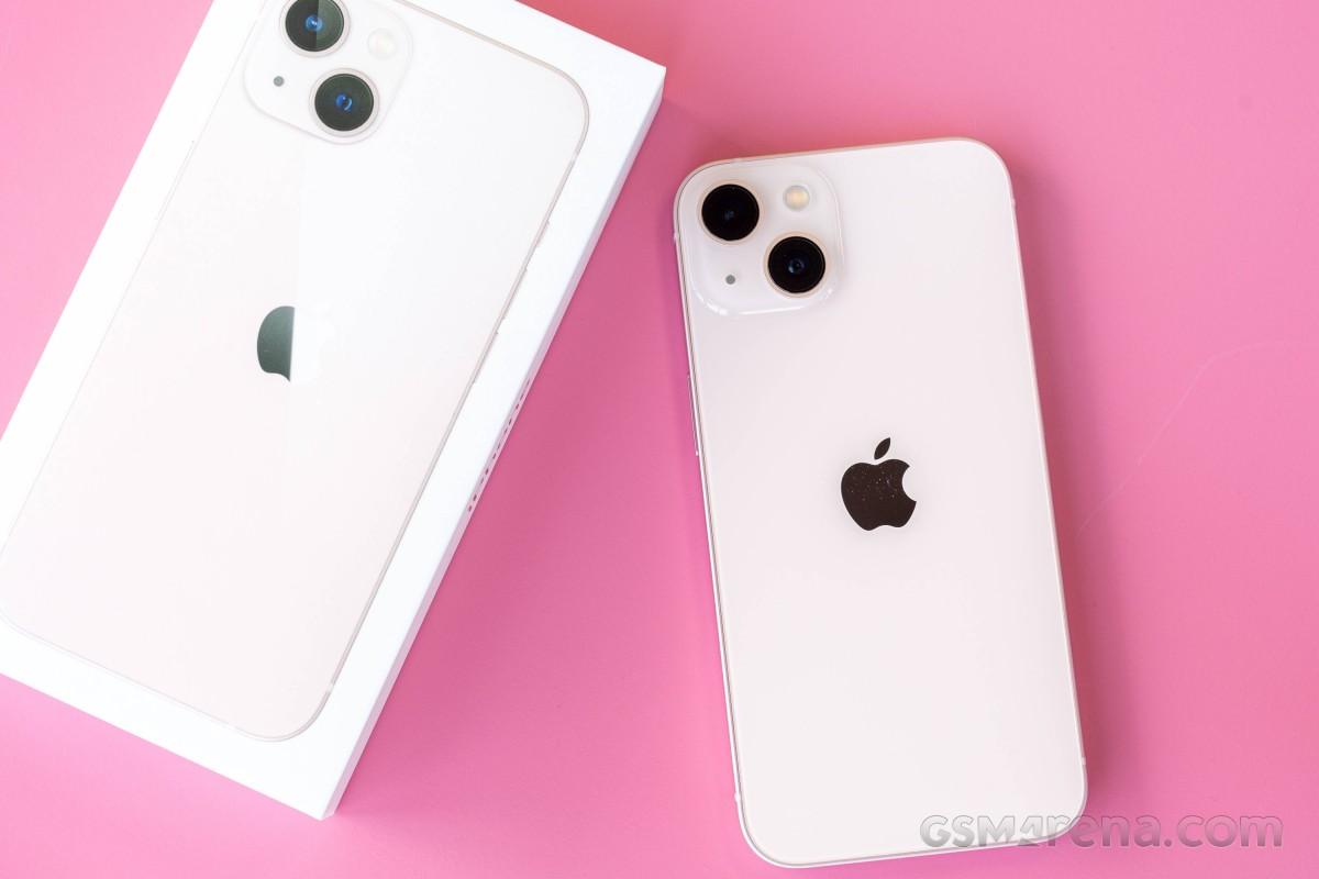 Ulasan Apple iPhone 13