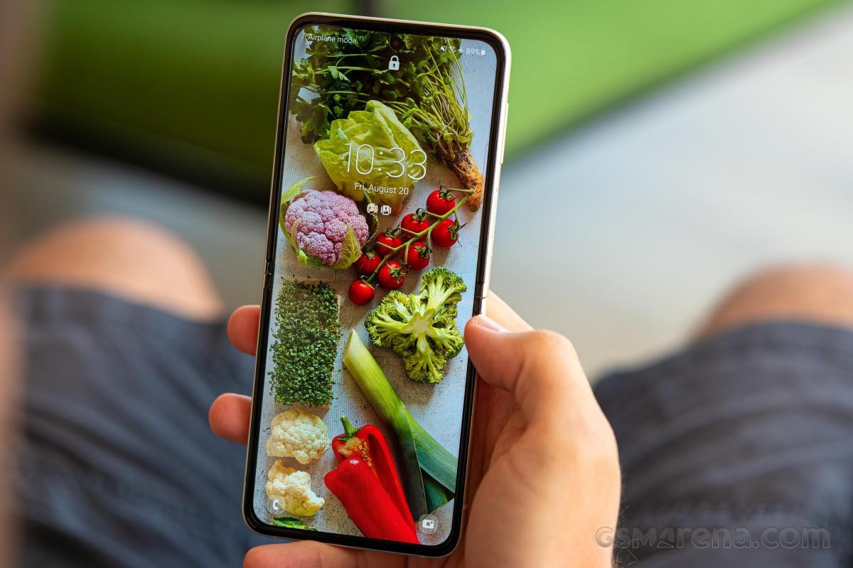 Ulasan Samsung Galaxy Z Flip3 5G